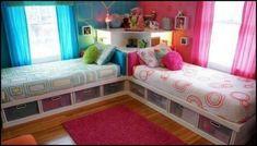 Lits perpendiculaires avec plein de rangements. 12 Idées géniales de chambres pour deux enfants