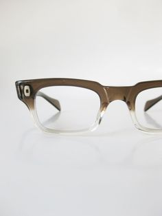 1950s Horn Rim Reading Glasses 50s Mid Century Modern Mod Brown Fade Clear Transparent Swan USA American America Mens Womens Unisex