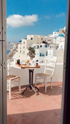 Santorini Honeymoon, Santorini Travel, Greece Travel, Santorini Island Greece, Vacation Places, Dream Vacations, Vacation Ideas, Beautiful Places To Travel, Cool Places To Visit