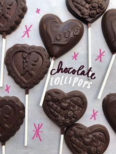 Tracy from Shutterbean shows how she makes Chocolate Lollipops! Coconut Hot Chocolate, Chocolate Pops, Chocolate Heaven, Homemade Chocolate, Chocolate Recipes, Chocolate Lovers, Lollipop Cookies, Lollipop Recipe, How To Make Chocolate