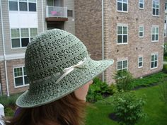 Love this! Gotta learn how to crochet right now!! - Crochet Summer Hat for Women. Sun beach fashion. on Etsy, $22.50 CAD