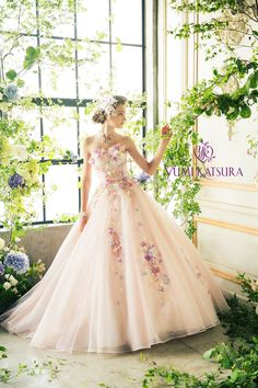 I want my grad theme to be pizza Lovely Dresses, Beautiful Gowns, Ball Dresses, Bridal Dresses, Wedding Dress Patterns, Gown Pattern, Mode Chic, Beautiful Costumes, Quinceanera Dresses
