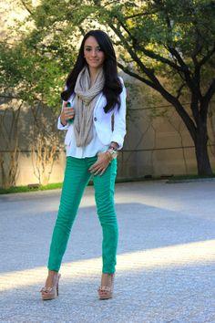 green skinny jeans, white blazer & chunky scarf.