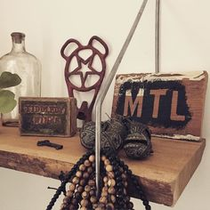 #cherrywood #shelfie with custom brackets.  #vintage #brocante #igersmtl #mtl #reclaimedwood #514 #upcycle #livemontreal #mtlpic #mtlmoment #sthenri #stencil #diy #quebec #liveedgewood #liveedge #mtlblog #mtldesign #mtlmoments #made_in_mtl by industricmtl