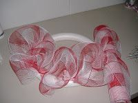 DIY mesh wreath instructions