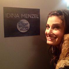 Idina Menzel backstage!