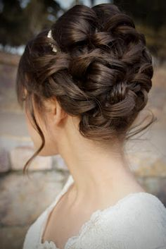#detail #updo for #short hair. Hair & Makeup by Lindsay Lee