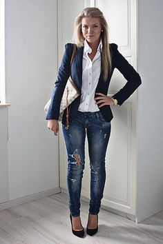 Blazer and jeans outfit women, classy jeans outfit, navy blazer outfits, jean outfits Casual Work Outfits, Mode Outfits, Fashion Outfits, Womens Fashion, Asos Fashion, Stylish Outfits, Classy Outfits For Women, Fashion Moda, Pretty Outfits