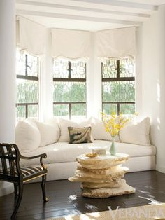 Great couch looking window seat. I need something like this in my living room bay window! That would help me to figure out how to arrange the furniture! My Living Room, Home And Living, Living Spaces, Living Room With Bay Window, My New Room, Family Room, Sweet Home, New Homes, House Design