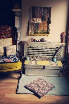 vintage bohemian boho living room decor ♥♥♥  The Bohemian Collective: SACRED SPACE