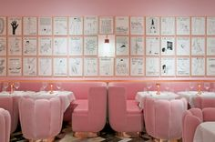 The Gallery at Sketch | 5 Restaurants In London For The Design Lover During Decorex | Restaurant Interior. Restaurant Interiors. #restaurantinterior #restaurantdesign #decorex Read more: https://www.brabbu.com/en/inspiration-and-ideas/world-travel/restaurants-london-design-lover-decorex