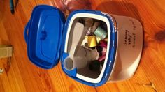 Old formula container put to use! Box holds thread for sewing patches and the scoop holds the needles! Baby Formula Containers, Baby Food Containers, Baby Food Jars, Sewing Patches, Wipes Container, Formula Cans, Gifts For Photographers, Trash To Treasure, Square Photos