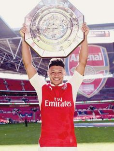 another trophy to add to the curtain raiser: a victorious win over chelsea for community shield for the start of 2015/2015 season!