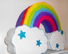 piñata de arcoiris fiesta de colores