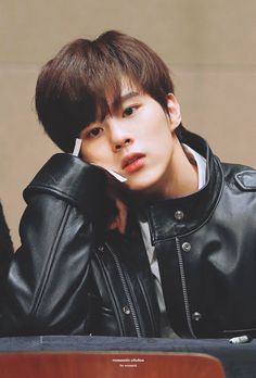 married to the enemy ± Kim Yohan Cute Asian Guys, Kim Taehyung, Korean Boy Bands, Drama Korea, Handsome Boys, Kpop Boy, Boyfriend Material, K Idols, Asian Men
