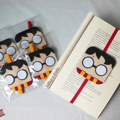 Harry Potter Diy, Harry Potter Bookmark, Theme Harry Potter, Harry Potter Birthday, Creative Bookmarks, Diy Bookmarks, Felt Bookmark, Bookmark Craft, Diy And Crafts