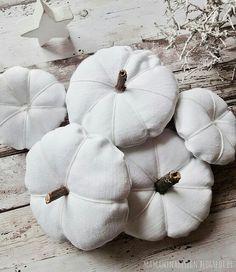 DIY weiße Kürbisse aus Stoff