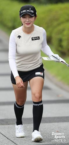 Rock Outfits, Girl Outfits, Sexy Golf, Korean People, School Girl Outfit, Ladies Golf, Women Golf, Great Women, Golf Outfit