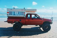 Overland Nomad's Awesome and Affordable Toyota Pickup Camper - Expedition Portal Toyota 4x4, Toyota Trucks, Toyota Hilux, Toyota Tacoma, Hilux Camper, Cabover Camper, Pop Up Truck Campers, Truck Bed Camper, Overland Truck