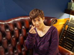 Suho - 160225 Official SMTown NOW Vyrl update Credit: Official SMTown NOW Vyrl.