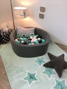Wundervolles Bällebad - in Farben ganz nach Wunsch zusammen stellen.