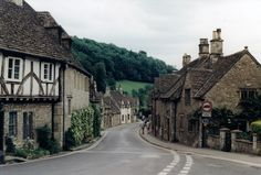 Where are the most idyllic countryside locations in Britain? http://www.furfeatherandfin.com/blog/index.php/four-idyllic-countryside-villages-in-great-britain/