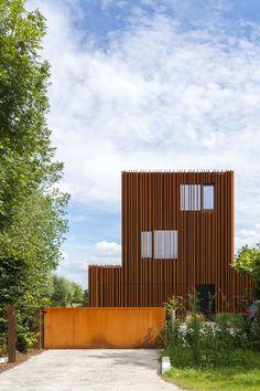 Image Façade de la maison acier Corten avec accès DMOA ...