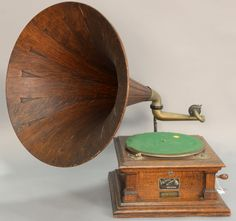 Victor V Talking Machine Phonograph Gramophone with wood horn in working condition, made by Victor Talking Mch. Co., Type Vic. V 2785d ~ Realized Price $3,000.00