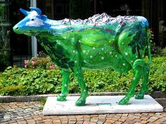 Painted cow, Garmisch-Partenkirchen, DE
