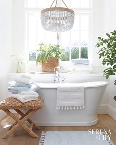 If you have a small bathroom in your home, don't be confuse to change to make it look larger. Not only small bathroom, but also the largest bathrooms have their problems and design flaws. Bad Inspiration, Bathroom Inspiration, Bathroom Ideas, Bathroom Designs, Bathroom Makeovers, Bathroom Renovations, Bathroom Colors, Bath Ideas, Bathroom Organization