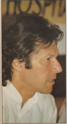Next Prime minister of 💞 Pakistan Imran Khan Cricketer, Imran Khan Pakistan, Cricket World Cup, King Of Hearts, Prime Minister, My Crush, Classic Beauty, Royals, Eye Candy