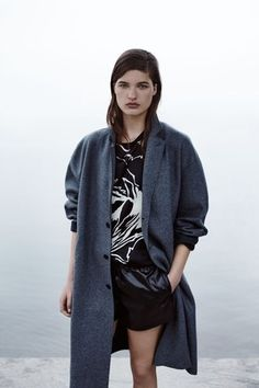 See the complete Rag & Bone Resort 2016 collection.