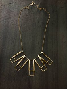Gold Geometric Recta