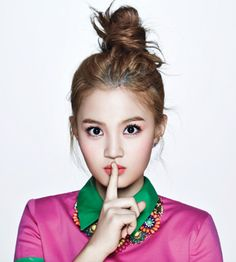 The praises and cheers from the audience (general public) for Lee Hi comes as fast as it goes, and 17 year old Lee Hi knows very well about the general public tastes. Thus, she is welcoming 2013 even much more than anybody else. After obtaining 2nd position in last year's Kpop Star, Lee Hi…