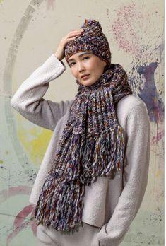 mit der tollen Wolle von LANGYARNS Lyonel Strickst du dir im nu eine Mütze und einen wunderbar kuscheligen Schal! Celine, Alpaca, Lang Yarns, Pullover, Madame, Catalogue, Winter Hats, Email, Fashion