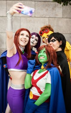 How to get famous - Eine Anleitung Teil 2 Smileys, How To Get Famous, Titans Rebirth, New 52, Cosplay, Teen Titans, Bombshells, Ronald Mcdonald, Snow White