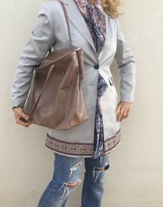 Bag Made with great care and love of Italian leather . Been designed to be worn in all case.  ~~ Italian leather       Nude Beige Distressed leather bag .Nude leather bag  ... ➡️ http://jto.li/hsxdC