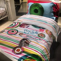 Give your bedroom that extra boost of colors from Desigual Home. Colorful graphics and stripes designed to make you sleep harmoniously. Come and visit the store today...