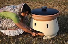 A Simple Solar Oven Makes Salt Water Drinkable