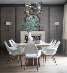 Gather everyone you love around your table in the dining room and make them feel like they are in the most beautiful place ever! Home Decor ideas has the best tips for you to create a luxurious and modern dining room. Grey Dining Tables, Dining Chairs, Room Chairs, Dining Room Design, Dining Room Furniture, Dining Rooms, Grasscloth Dining Room, Dining Area, Kitchen Dining
