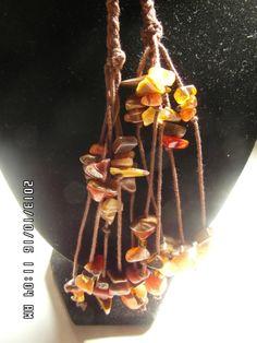 Collar de Hilo tejido en tecnica de Macrame con piedras Naturales