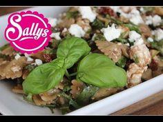 Sallys Nudelsalat / mediterraner Nudelsalat mit Schafskäse, getrockneten Tomaten und Balsamico - YouTube