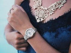 Beautiful watches you definitely can not pass on!