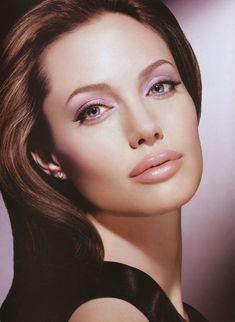Nice portrait of Angelina Jolie Beauty And Fashion, Just Beauty, Hair Beauty, Beauty Makeup, Most Beautiful Women, Beautiful People, Vector Portrait, Jolie Photo, Brad Pitt