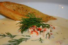 Busenkel soppa att göra, och brukar alltid vara väldigt uppskattad att bjuda på. Passar både som förrätt och varmrätt – beroende på i hur stora skålar du serverar den i. Det här behöver du till 4 portioner. 2 sharlottenlök 2- 3 morötter smör 7 dl vatten 3 dl grädde 200 … Läs mer