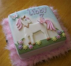 Unicorn Cake by Cakes-by-Louise, via Flickr