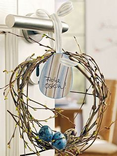 Easter door wreath, Primitive Country Wreath, easter egg decor ideas #Easter #Day #table #decor #craft #ideas www.loveitsomuch.com