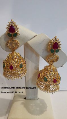 Diamond Jhumkas, Gold Jhumka Earrings, Diamond Earrings, Gold Necklace, Gold Jewellery Design, Gold Jewelry, Jewelry Sets, India Jewelry, Temple Jewellery