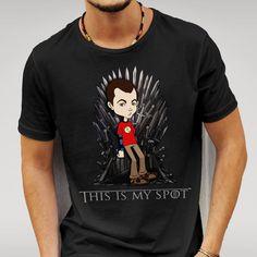 Impression de caractéristiques de Sheldon Cooper était assis sur le trône de fer. Cache-coeur t inspiré par le