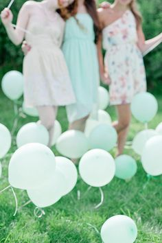Have a mint-themed summer bash, complete with #balloons!